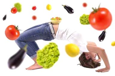 Woman doing gym with vegetables.